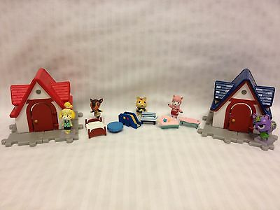 Japan Nintendo ANIMAL CROSSING Figure House Furniture with Wall Paper Play Set