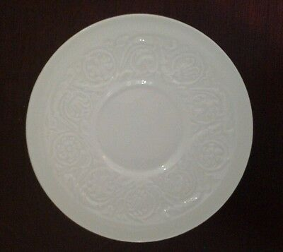 WEDGWOOD OF ETRURIA AND BARLASTON MADE IN ENGLAND PLATE