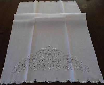 Vintage Linen Bath Hand Towel Mosaic Embroidered Cutwork