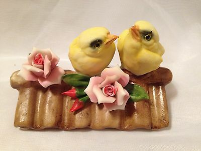 CAPODIMONTE PORCELAIN YELLOW FINCH BIRDS ON A ROOF TOP