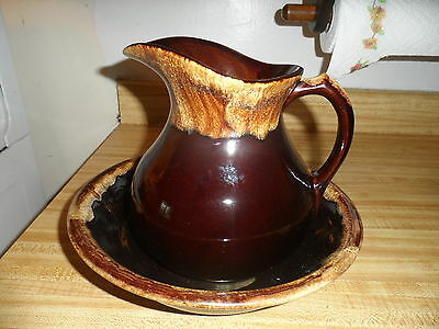 RRP Co Roseville Brown Drip Pitcher and Bowl