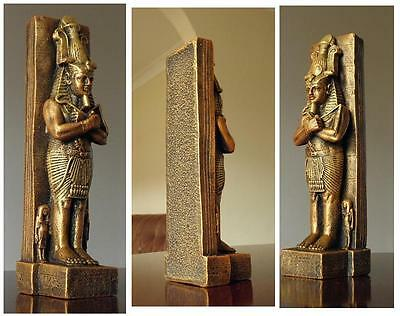 Cheops Egyptian Faraon figurine gold statuette