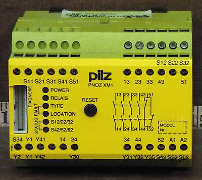 1 Used Pilz Pnoz Xm1 4S 1O 774600  Safety Relay 2.1 ***make Offer***