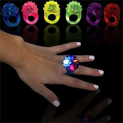 FLASHING BUBBLE RINGS blinking glow LED light party favor rubber toys fashion