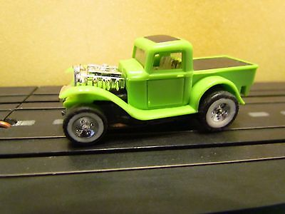 Aurora Tjet 32 Ford Pick Up Lime Green VG-NM