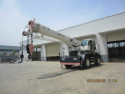 rough terrain crane 30t