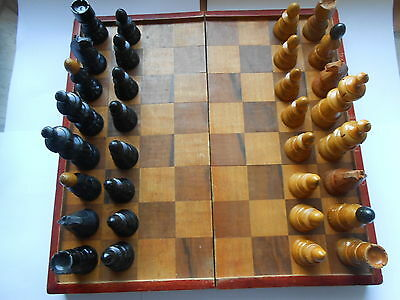 Vintage Coffee House Style Nicely Carved Knights Medium Size Chess Set