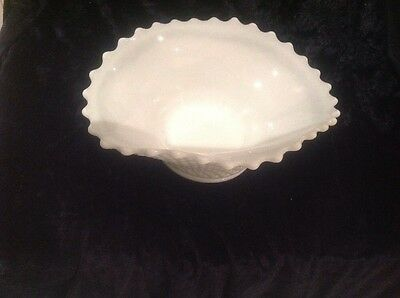 Stunning Vintage Large White Milk Glass Oval Bowl With Ruffled Edges
