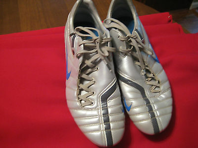 ZOOMAIR TOTAL 90 SUPREME SOCCER SHOE SIZE 11