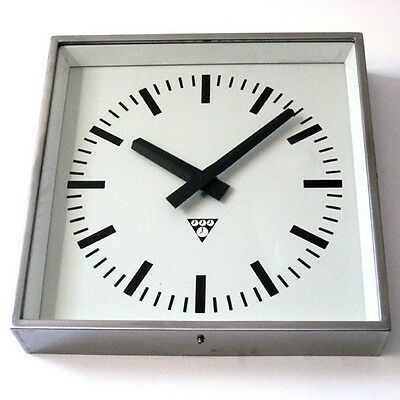 Vintage Industrial Wall Clock. Made by Pragotron (former Czechoslovakia). Metal