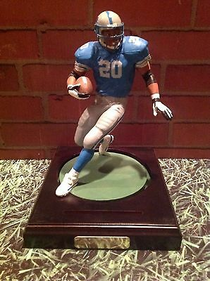 BARRY SANDERS - THE ART OF SPORT DETROIT LIONS STATUE ~ In Very Good Condition