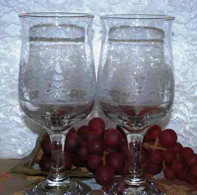 2 Pc Set Of Libbey Stemmed Wine Goblets W/ Gold Rims & White Christmas Trees