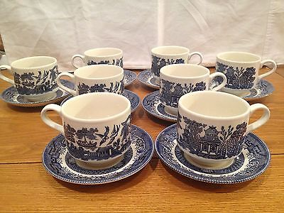"""BEAUTIFUL CHURCHILL """"BLUE WILLOW"""" MADE IN ENGLAND, SET OF 8 CUPS  AND SAUCERS"""