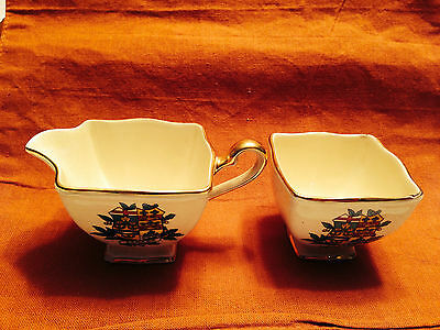 "Vintage Royal Winton-""CANADA"" Creamer & Sugar Bowl w/ Gold Trim Set"