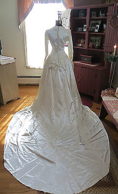 VTG 30'S BEAUTIFUL LIQUID SATIN WEDDING GOWN WITH LONG TRAIN! EXCELLENT!