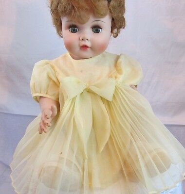 VINTAGE AMERICAN CHARACTER DOLL TOODLES WITH FLIRTY EYES & SQUEAKSS