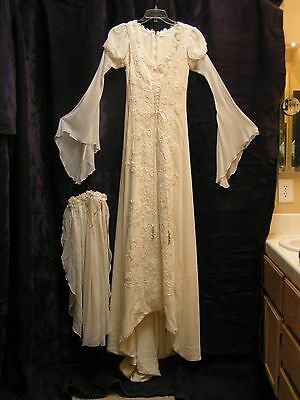 CRUSHED VELVET AND SILK WEDDING GOWN WITH VEIL - CREAM COLOR