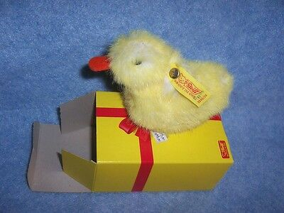 Animals from Steiff-  Chick Piccy  (3242/08) Made in Germany