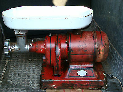 OLD CRYPTO MINCER FOR SPARES, INCLUDES MOTOR AND THE HEAVY ENAMEL TOP TRAY ONLY