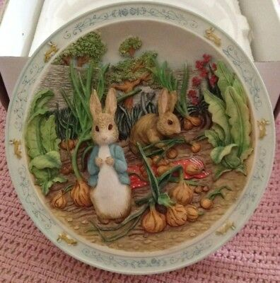 BEATRIX POTTER BRADFORD EXCHANGE A POCKET FULL OF ONIONS MUSICAL PLATE #1 of 8