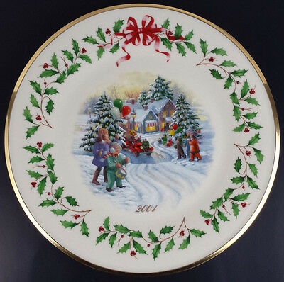 Lenox 2001 Annual Holiday Collector Plate 11th in Series Santa's Holiday Parade