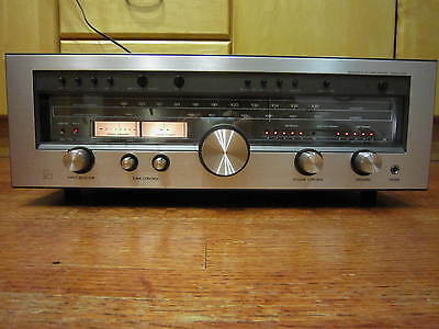 Beautiful Luxman R-1050 Solid State AM/FM Stereo Receiver