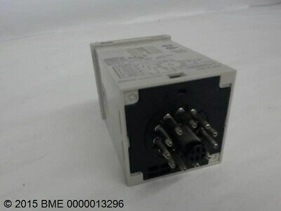 2 AVAILABLE OMRON  TIMER COUNTER  24-240 VAC MODEL H8CA-SAL