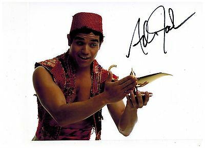 ADAM JACOBS--ALADDIN ON BROADWAY Signed Photo 8x10--#2   2015 PROOF