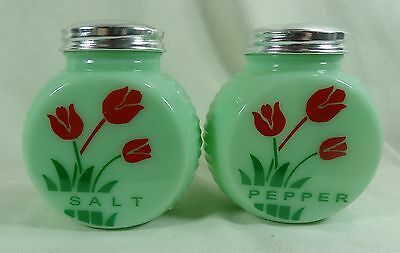 Round Retro Style Salt & Pepper Shaker Set w/Red Tulips Jadeite Jadite Jade
