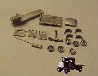 P&D Marsh N Gauge n Scale G26 Daimler flatbed lorry kit requires painting