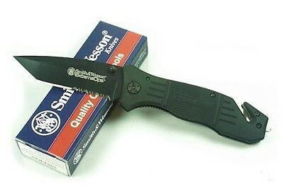 New Authentic Smith & Wesson Extreme Ops Knife and Rubber Coated Handle SWFR2S