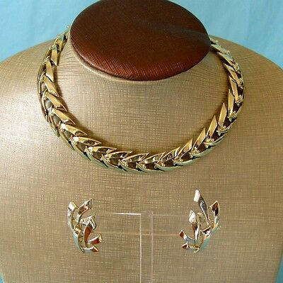 Vintage Coro Jewelry Set Gold Tone Link Choker Necklace and Clip On Earrings
