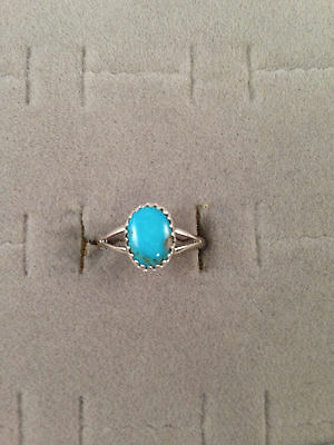 Dainty Navajo Handmade Sleeping Beauty Turquoise Ring in Sterling Silver S: 6