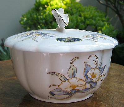 VINTAGE AYNSLEY BONE CHINA LARGE TRINKET BOX JUST ORCHIDS BUTTERFLY