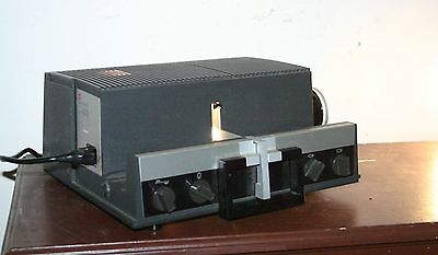 ANCIEN PROJECTEUR Portable de DIAPO SAWYER'S 602 GAF - FONCTIONNE