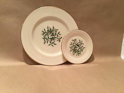 COLLECTOR'S LENOX CHINA LARGE AND SMALL MATCHING PLATES WITH CHRISTMAS HOLLY!