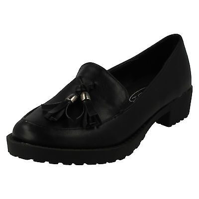 WHOLESALE Girls School Shoes / Sizes 10-3 / 16 Pairs / H3035