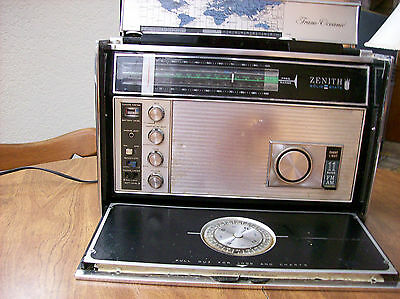 ZENITH Trans-Oceanic ROYAL-D7000Y 11-Band SHORTWAVE RADIO
