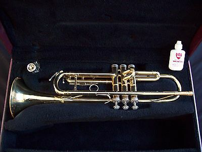HOLTON T602 Trumpet MADE IN THE USA  + 7C Mouthpiece + HOLTON Case + BONUS