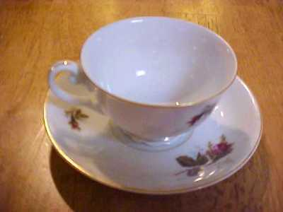 BEAUTIFUL White Floral Occupied Japan China Tea Cup & Saucer Dinnerware AQ798