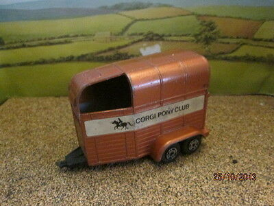 CORGI BEAUFORT DOUBLE HORSEBOX FOR RESTORATION