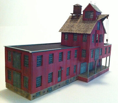 RDA, Whittemore's Witch Hazel Factory Kit, in HO Scale