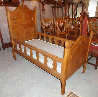 antique late 1800s oak youth bed - COLLAPSIBLE!!!! Fancy piece