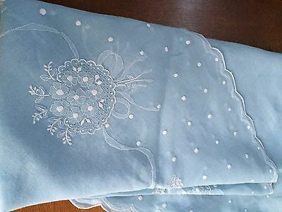 """Large Baby Blue 90"""" Round Tablecloth & 12 Napkins Circle of Embroidered Flowers"""