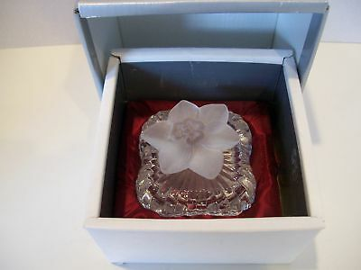 """Cristal d'Arques - Canisy Crystal 2 1/2"""" Square Ring Box w/Flower Petal Lid"""
