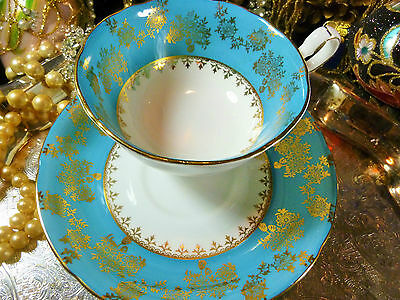 VINTAGE ROYAL GRAFTON TEA CUP AND SAUCER BLUE BAND LUSH FLORAL GOLD CHINTZ