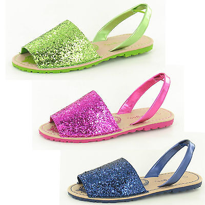 Wholesale Girls Sandals 14 pairs Sizes 10-2  H0128