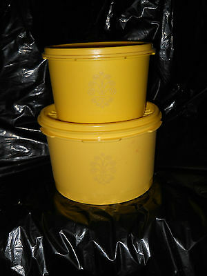 """Set of 2 Vintage Tupperware Servalier Bowls Harvest Yellow/Gold (4.5"""" and 5.5"""")"""