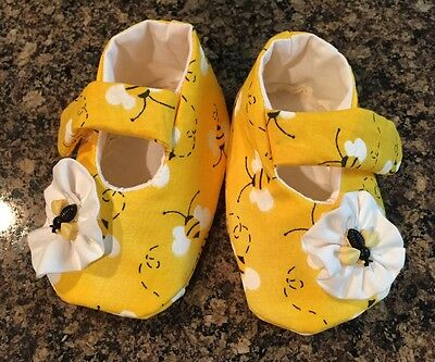 Baby Girl Yellow Bee's Booties With White Flower Free Shipping