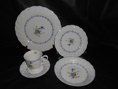 20pc NIKKO Blue Peony Blossomtime Dinnerware Set Plates Bowls Cups Saucers
